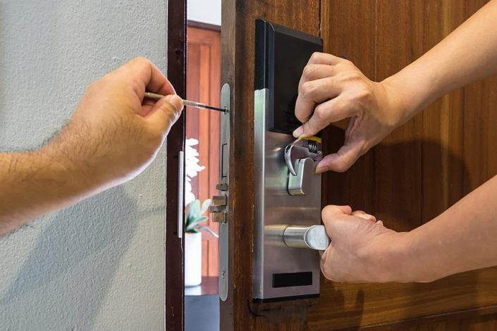 Plan Renove de Cerraduras y Bombillos Cerrajeros Cerdanyola del Vallès